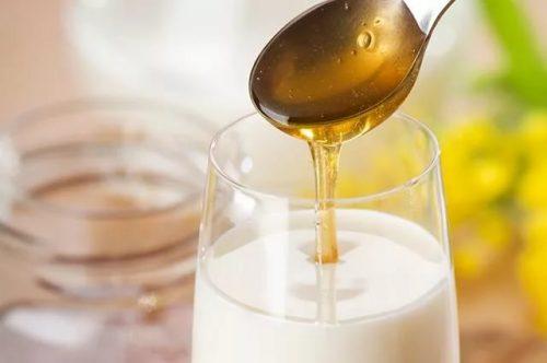 Мед, молоко