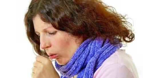 Женщина, кашель