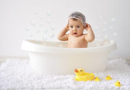 Ребенок, купание