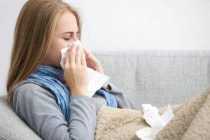Воспаление носовых пазух, девушка