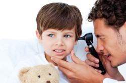 Прогревание уха при отите в больнице