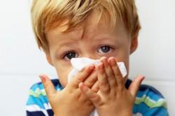 Возникновение отита из-за ослабленного иммунитета и простуды