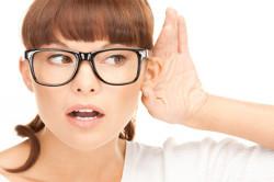 Частичная потеря слуха при наличии серной пробки в ухе