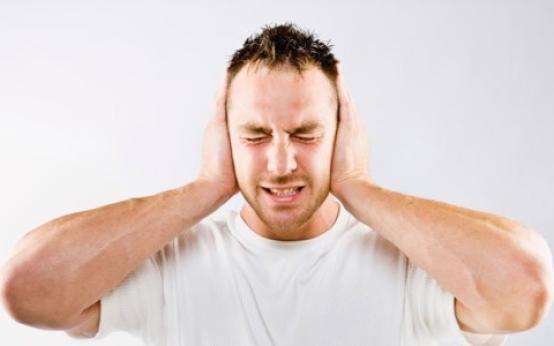Причины и лечение шума в ушах