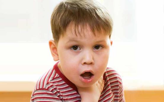 4 причины хриплого кашля у ребёнка без температуры