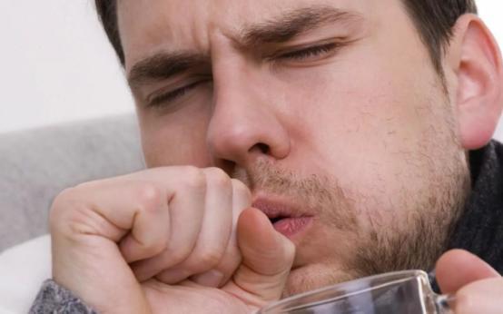 Как отличить сухой кашель от влажного и в чем разница лечения
