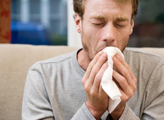 Из-за чего может быть кашель с кровью и как его лечить
