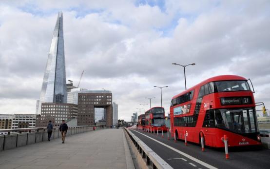 Великобритания вышла на первое место в Европе по количеству смертей от коронавируса