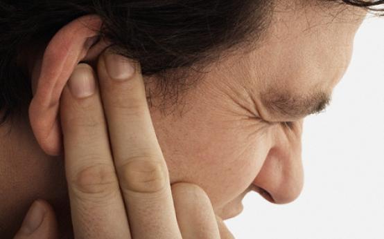 Основные причины и диагностика серозного отита