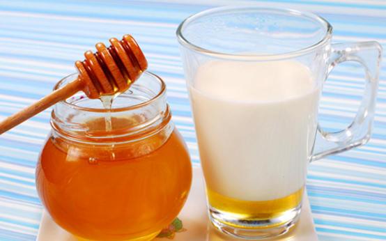 Самые популярные рецепты из молока с медом от кашля