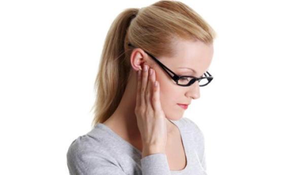 Симптомы и лечение гнойного отита