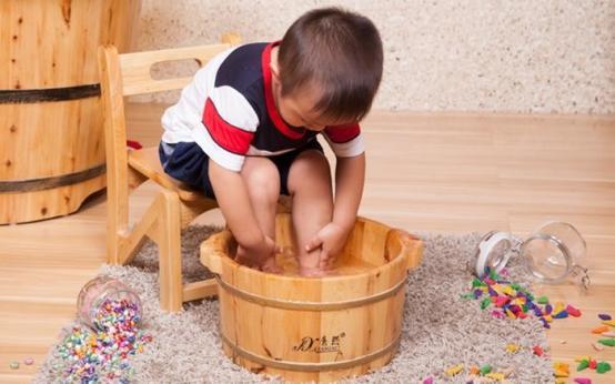 Как правильно парить ноги с горчицей при кашле ребёнку