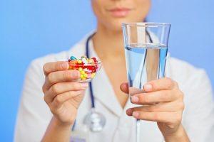 врач, таблетки