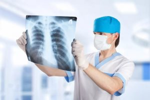 врач, рентген-снимок